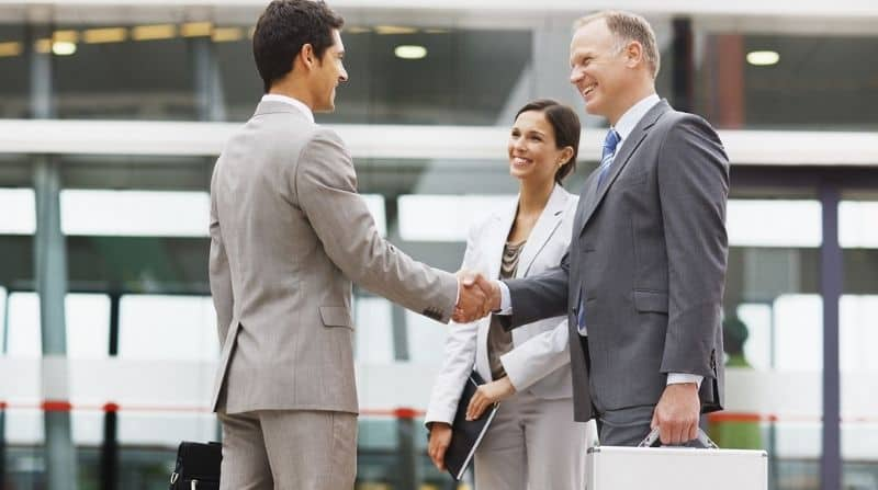 How Businessman Introduce Himself? [Detailed Info]
